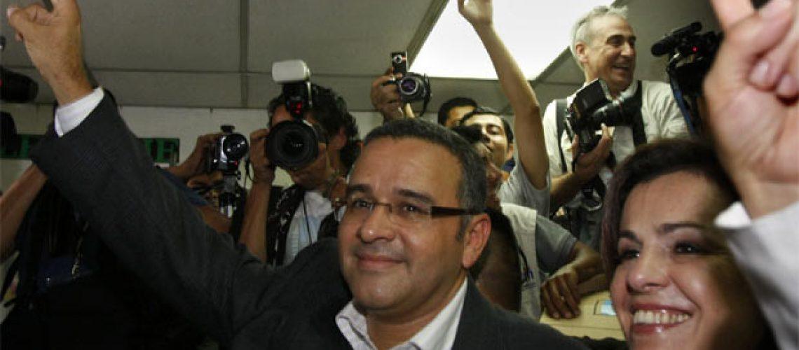 Esquerdista Mauricio Funes eleito presidente de El Salvador