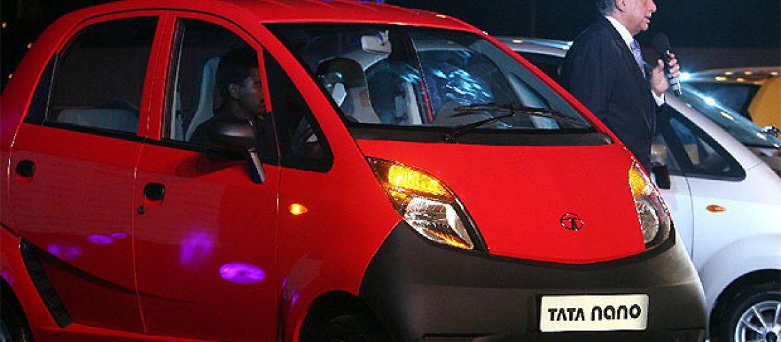 O carro mais barato do mundo já  disponível para a venda na Índia