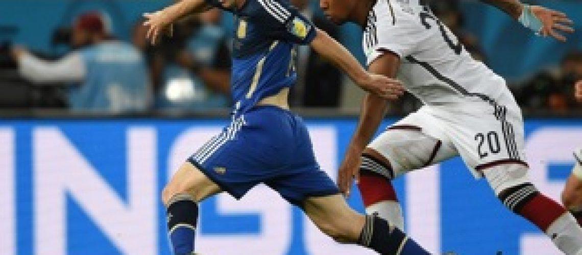 Mundial 2014: Messi lamenta chances perdidas e diz que Bola de Ouro é prémio amargo