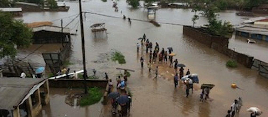 Floods isolate Cuamba and INGC