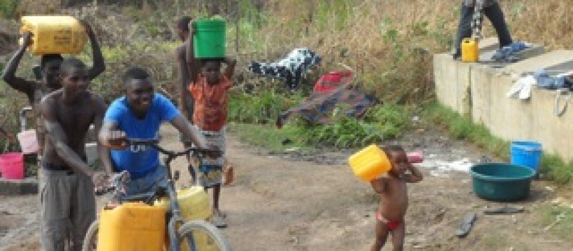 Abastecimento de água exclui o saneamento em Moçambique