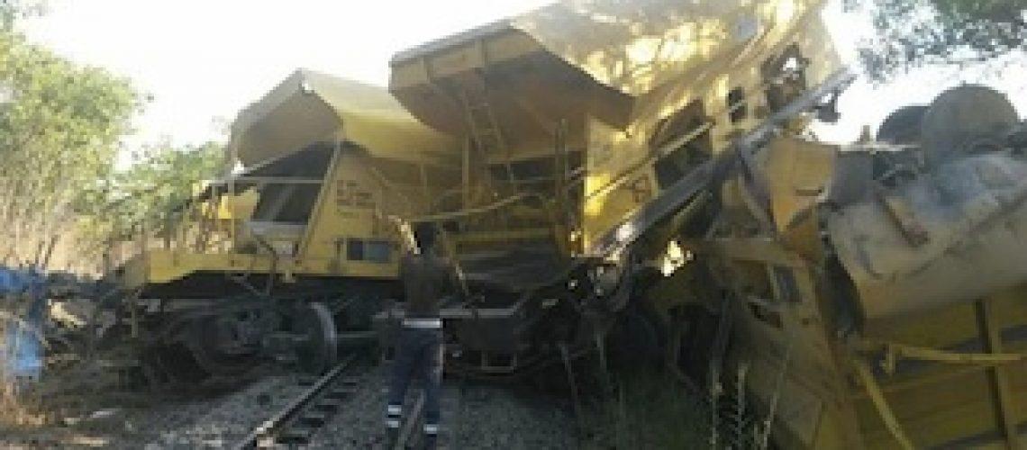 Colisão de comboios causa duas mortes e 10 feridos no Niassa