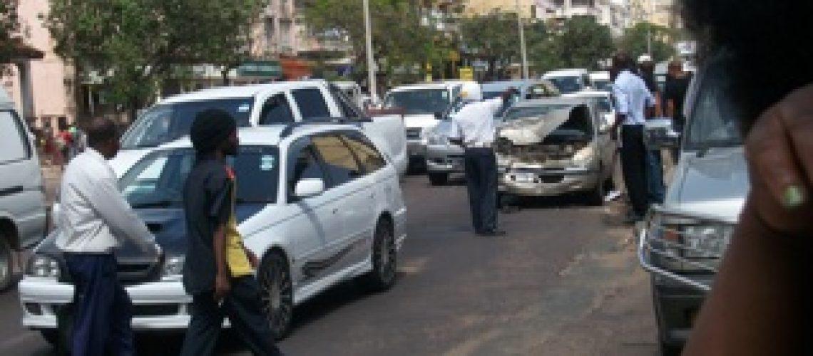 Manobra irregular causa provável de mais um acidente de viação em Maputo