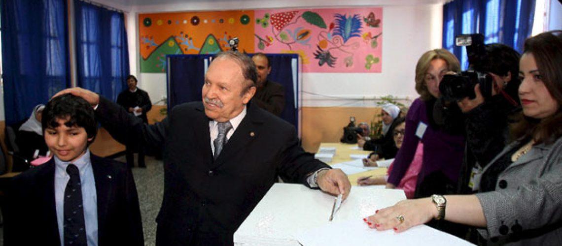 Eleições presidenciais na Argélia têm participação de 74