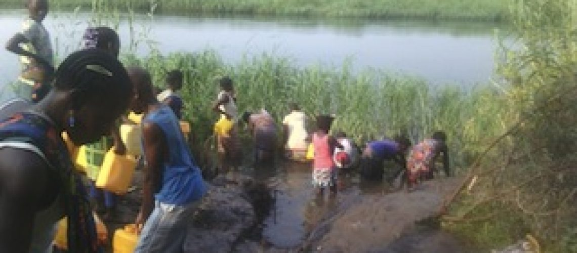 """Na terra do """"El Dorado"""" do carvão falta água potável aos moçambicanos"""