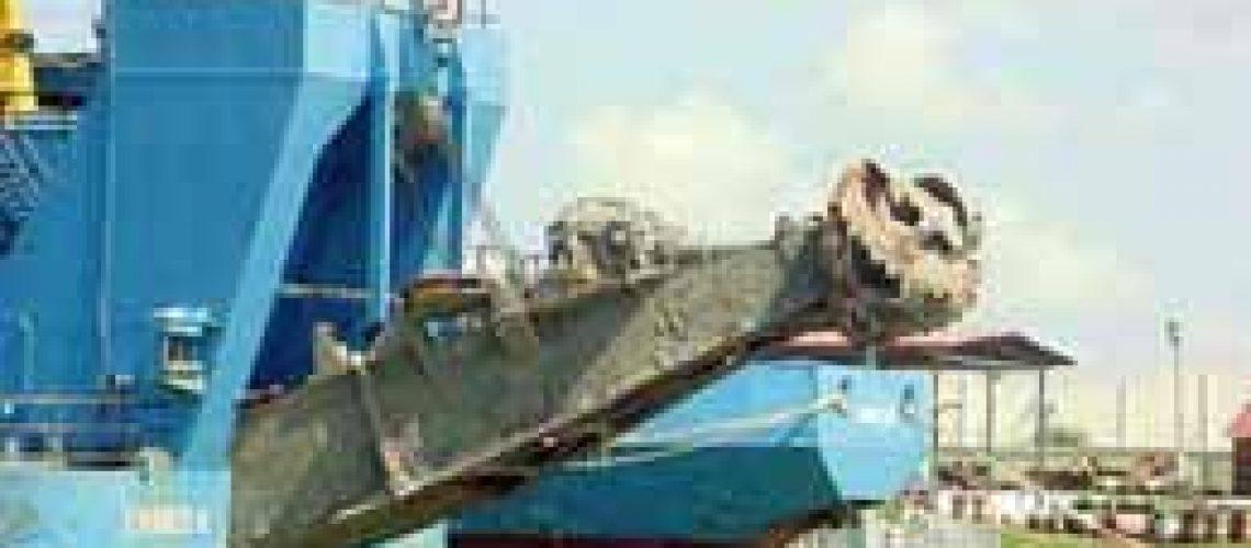 Canal de acesso ao Porto da Beira - Resolve-se com dragas de maior capacidade