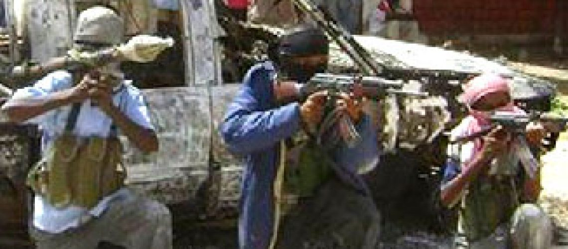 Ataque a mesquita na Somália causa 14 mortes ao terceiro dia de confrontos com dezenas de vítimas
