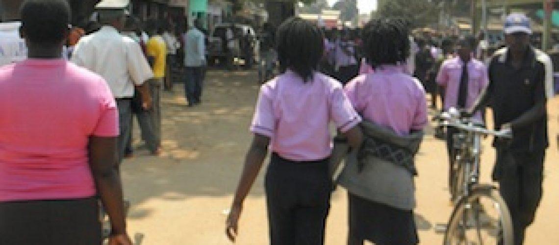 Adolescente orfã violada pelo marido da irmã em Catandica