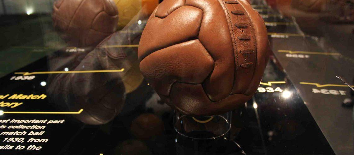 A história das bolas dos Mundiais de futebol