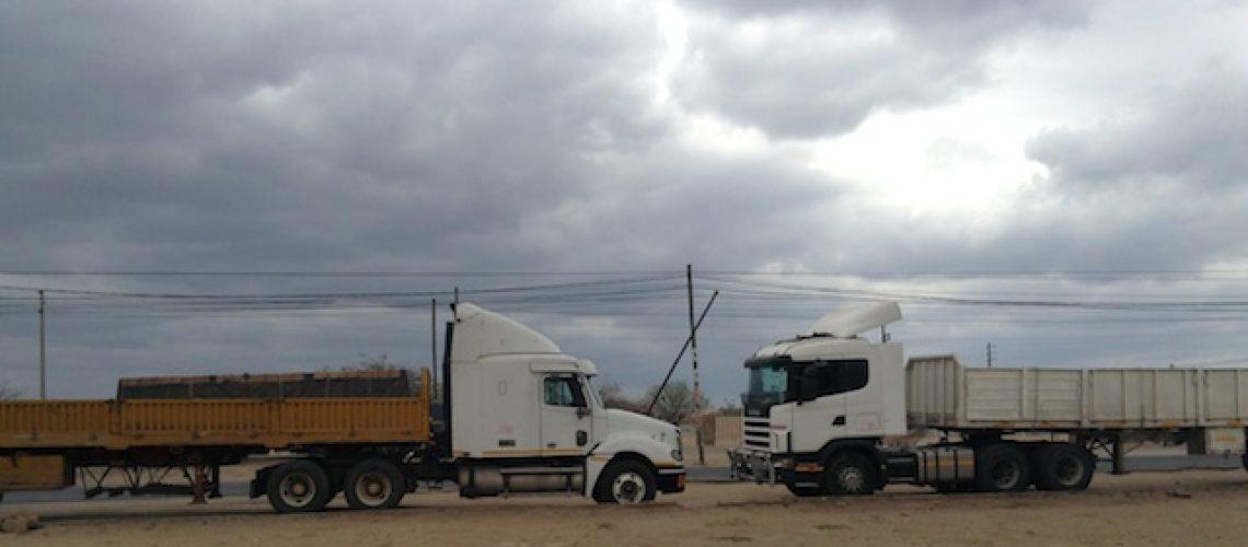 Lóbi dos camiões força levantamento da proibição de volante à esquerda