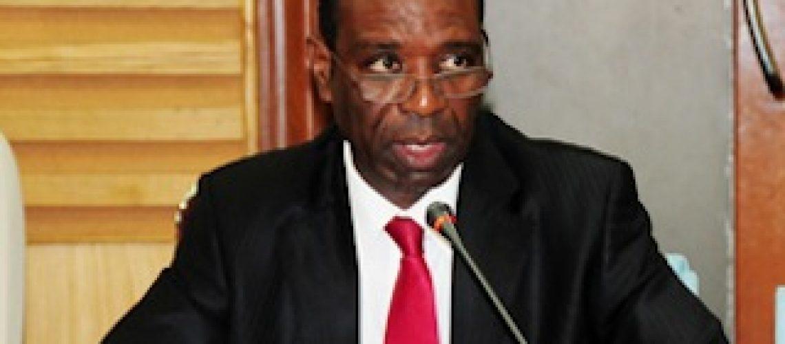 Carlos Agostinho do Rosário é o novo Primeiro-Ministro de Moçambique