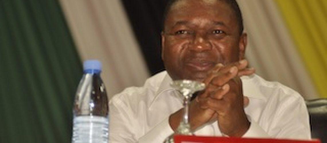 Guebuza demite-se