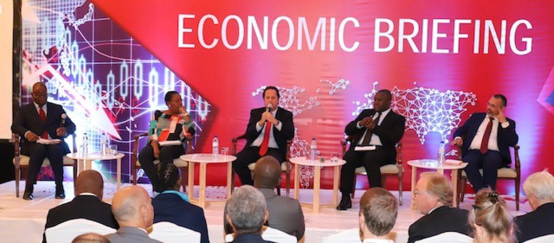 """""""Trajectória de cautela de redução das taxas de juro deveria se manter"""" em Moçambique"""