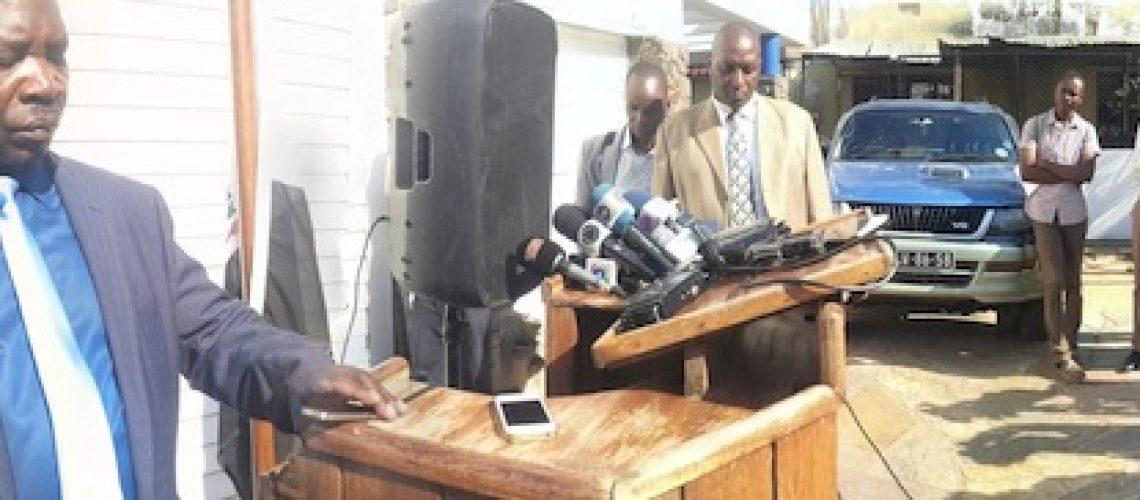 """Dhlakama anuncia """"trégua sem prazo"""" mas Paz definitiva em Moçambique nunca antes de Dezembro"""