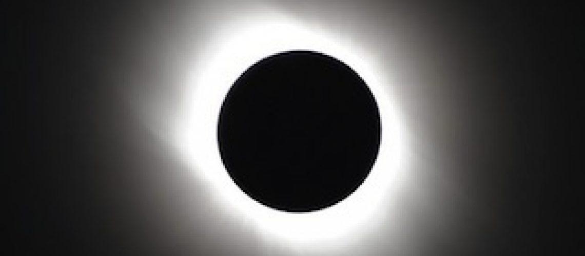 Moçambicanos poderão ver eclipse anular do Sol no fim da tarde deste domingo