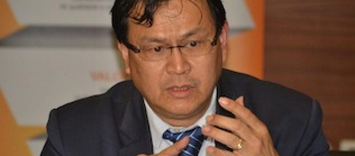 """Carlos Yum desafia sector privado """"para a transformação da industria dois terços não depende da Electricidade de Moçambique"""""""