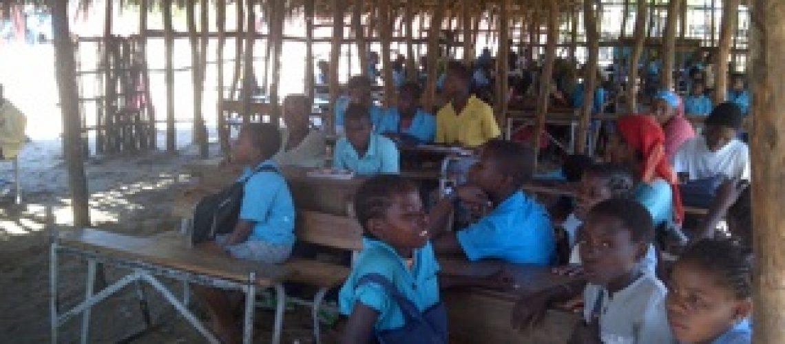 A educação básica está longe de ser abrangente no país