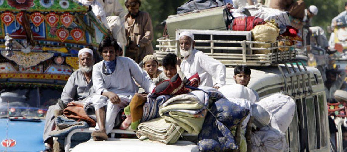 Ofensiva prossegue no Paquistão com 834.000 civis em fuga