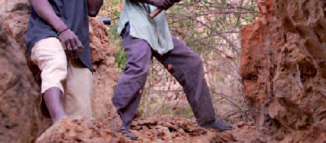 Nhongonhane: As grutas da morte