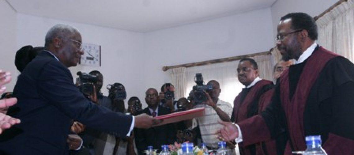 Guebuza formaliza sua candidatura