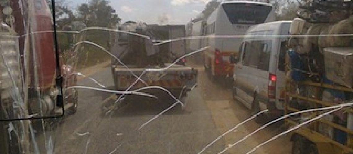 Guerra em Moçambique: pelo menos três civis feridos em dois ataques neste sábado (14)