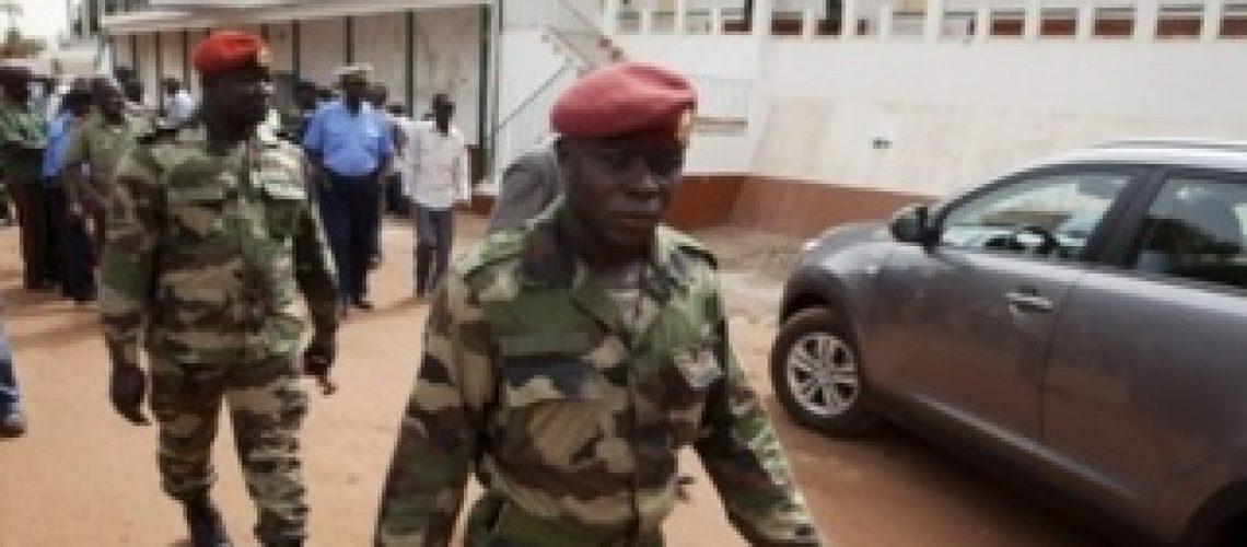 Militares da Guiné-Bissau fecham espaço aéreo e marítimo do país
