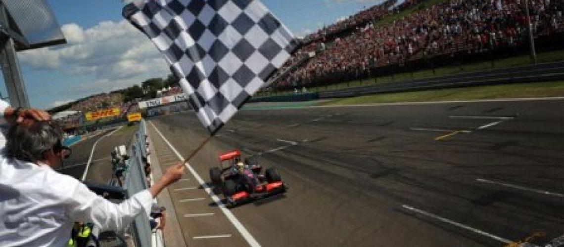 Hamilton vence na Hungria e abala hierarquia da F1
