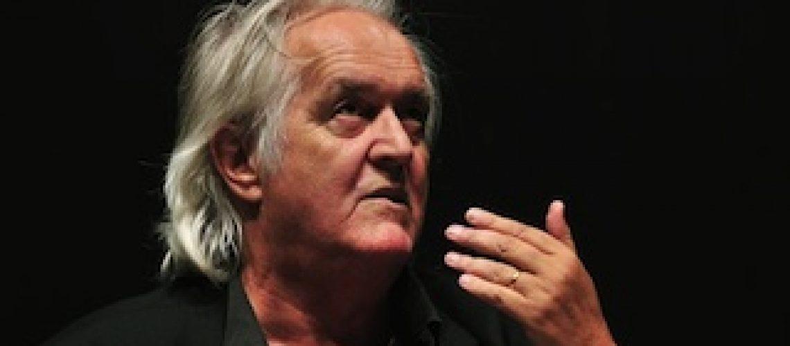 Morreu Henning Mankell