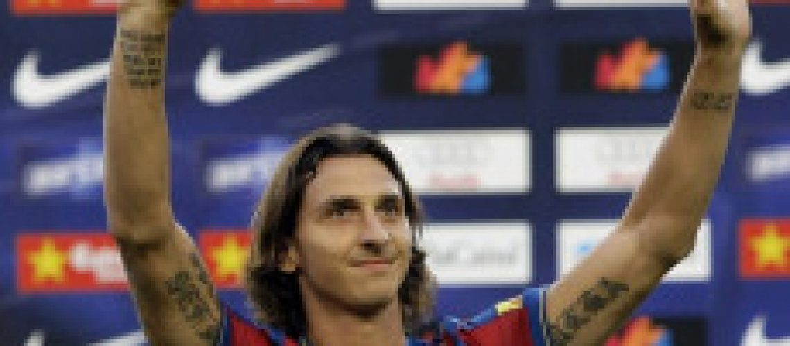 Ibrahimovic assina contrato de cinco anos com o Barcelona