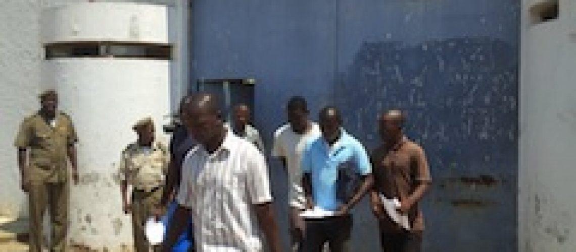 Maioria dos indultados por Filipe Nyusi são jovens sem educação nem profissão