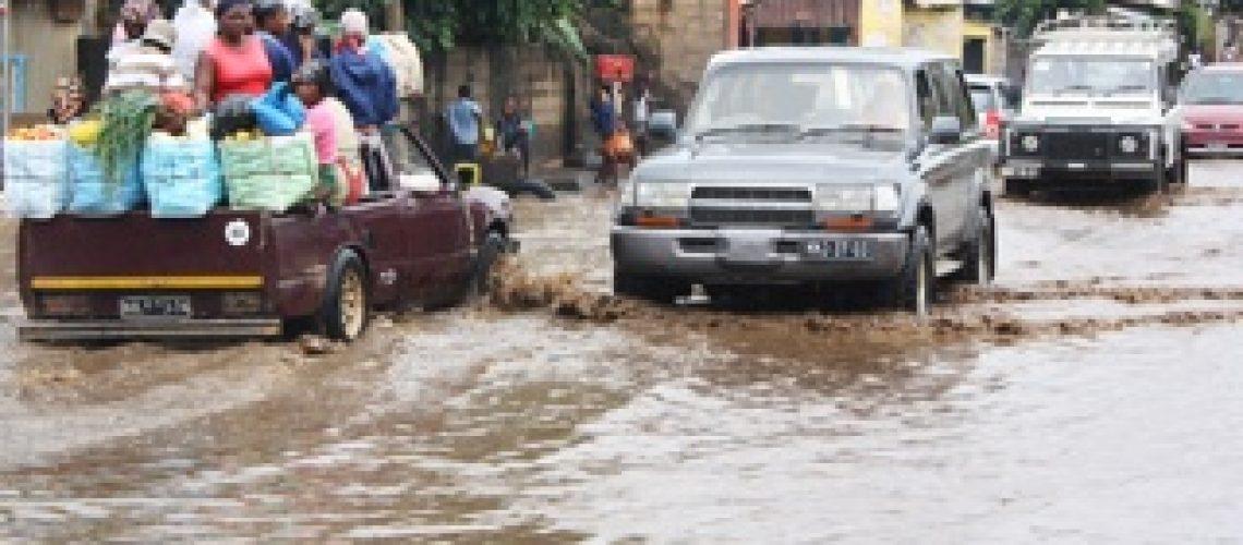 Chuvas condicionam circulação automóvel na capital do país