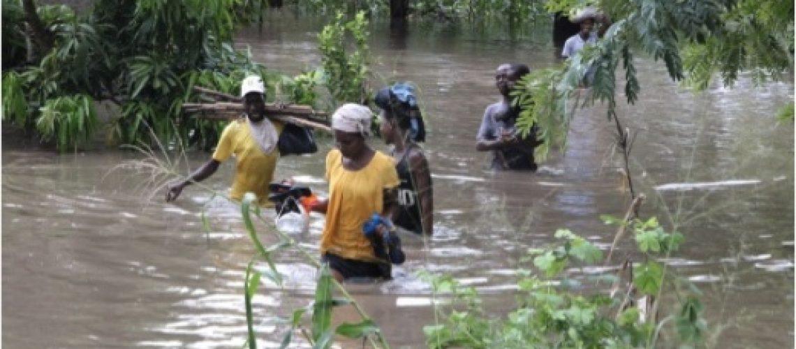 Moçambique em alerta vermelho pela iminência de Ciclone e défice de 2 biliões para assistência humanitária de mais de 600 mil pessoas