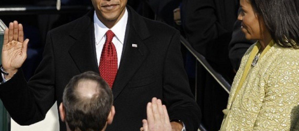 Barack Obama torna-se o primeiro presidente negro dos Estados Unidos