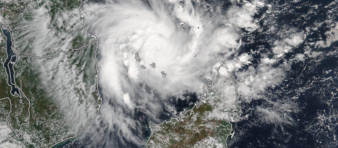 Kenneth poderá tornar-se ciclone de categoria 4 e entrar em Moçambique na tarde de 5ª feira