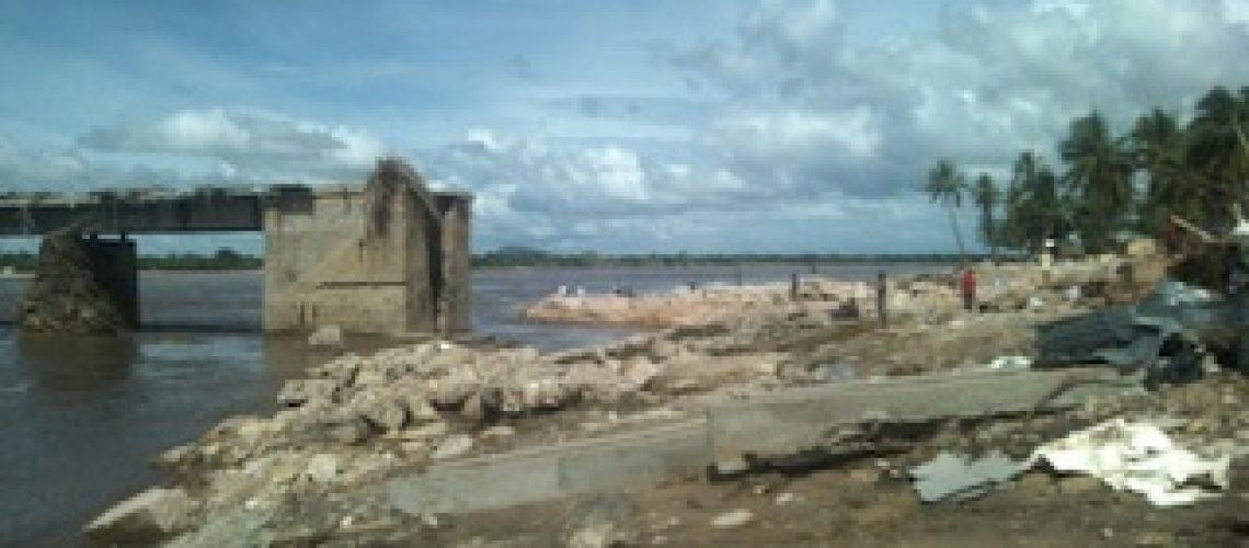 Cheias em Moçambique: EN1 continua cortada entre o centro e norte