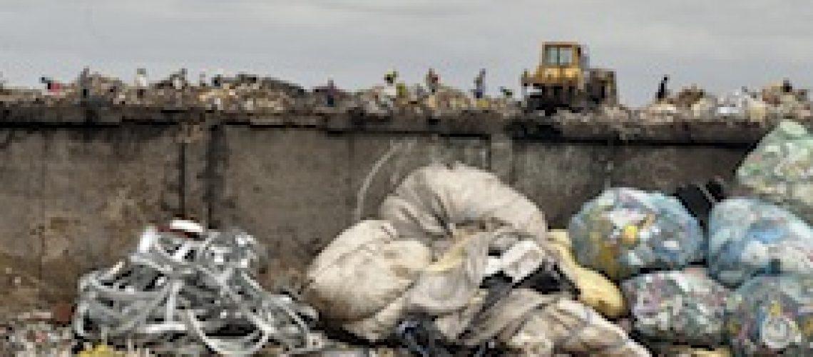 Lixeira de Hulene em Maputo vai continuar a poluir até os próximos três anos
