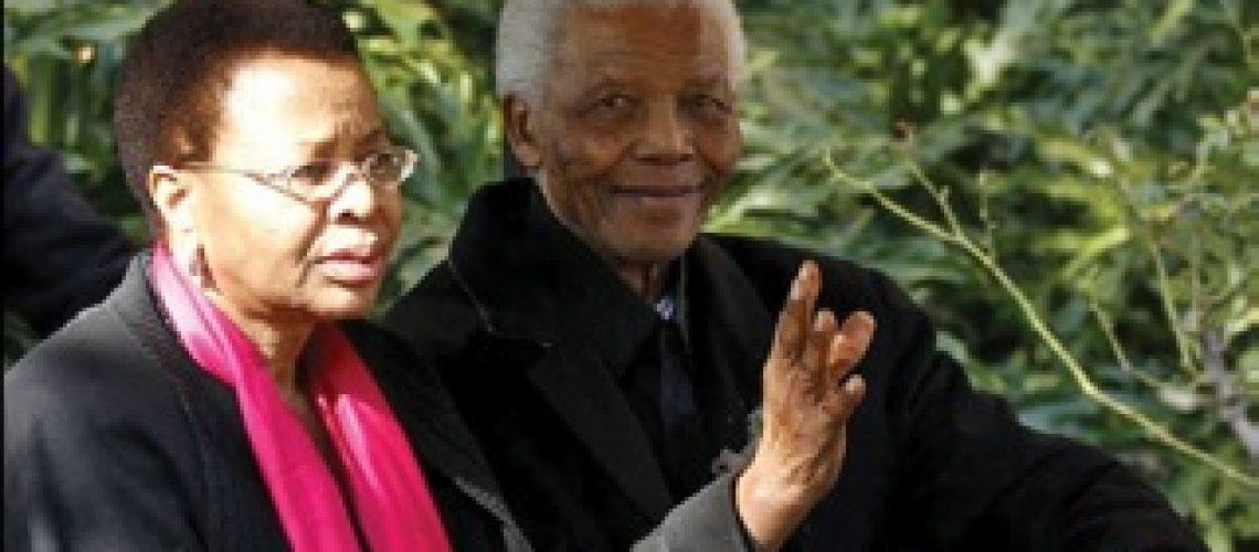 Esposa de Nelson Mandela agradece mensagens de apoio