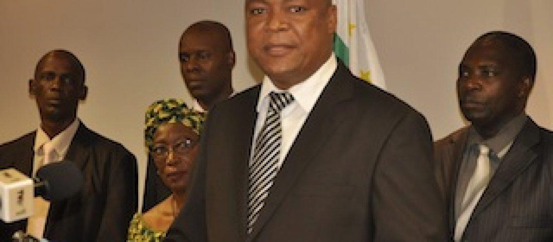 Secretário-geral da Renamo baleado e seu guarda-costas morto na Beira