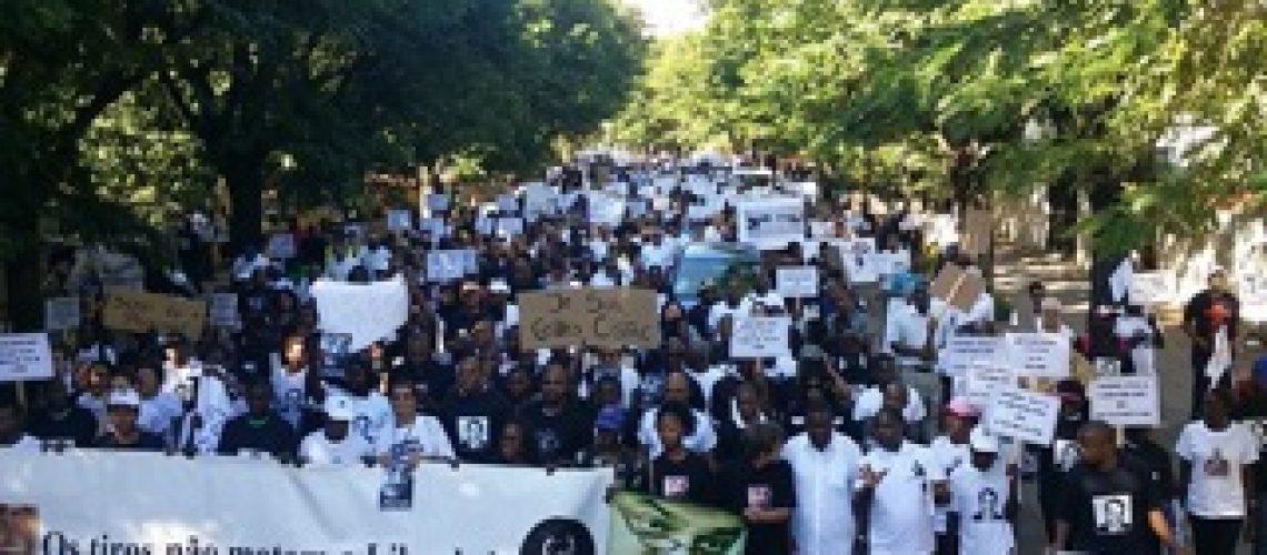 Polícia volta a provar subserviência ao regime na marcha de repúdio ao assassinato de Gilles Cistac