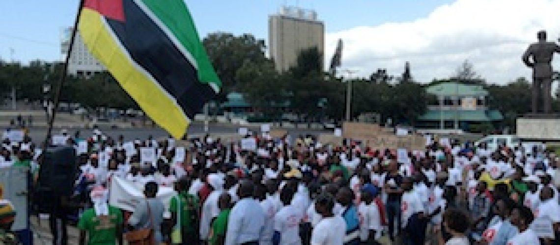 """Marchar para quê se ninguém te dá ouvidos"" em Moçambique"