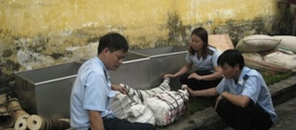 Autoridades vietnamitas apreendem 2