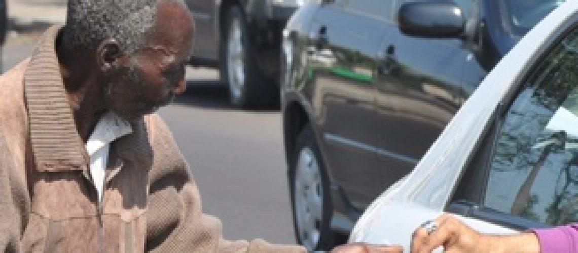Mendigos e meninos de rua em Maputo são reinseridos nas famílias