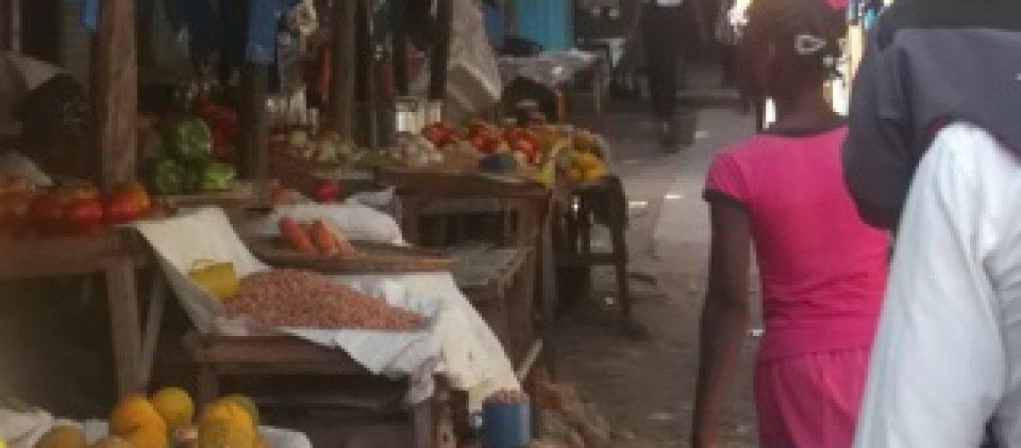 """Mercados de Inhambane em """"maré baixa"""""""