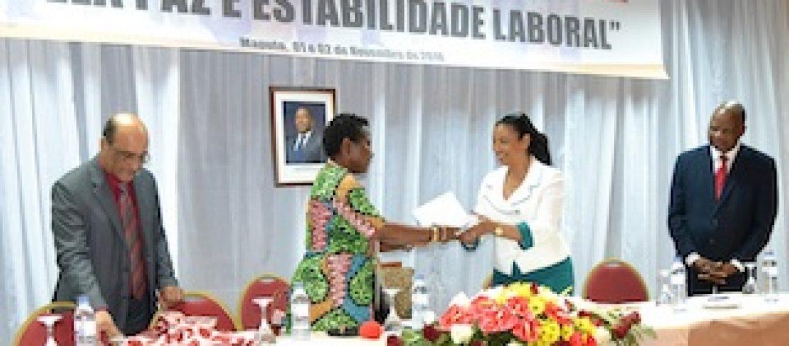 Para além de 155.500 milhões MT em indemnizações: COMAL ajudou a reintegrar 2.130 trabalhadores nos seus antigos postos de trabalho