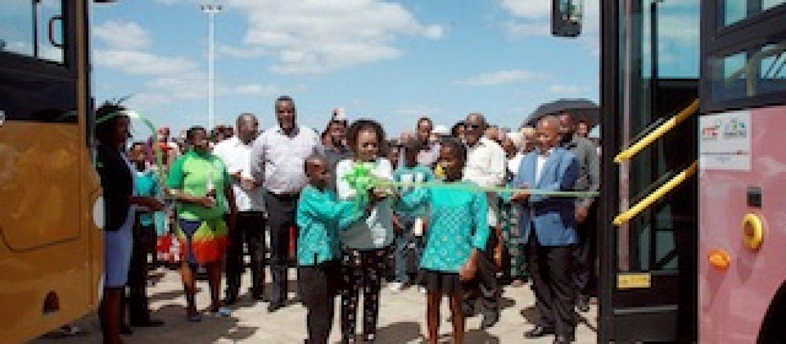 MTC entrega autocarros a operadores privados da Katembe