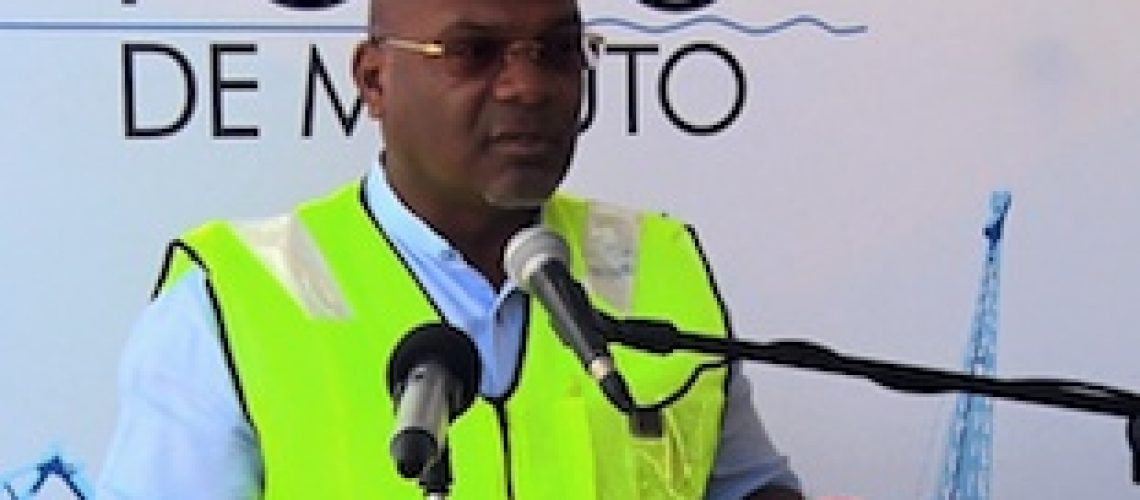 Porto de Maputo investe em novos equipamentos multi-uso para manusear cargas pesadas e contentores