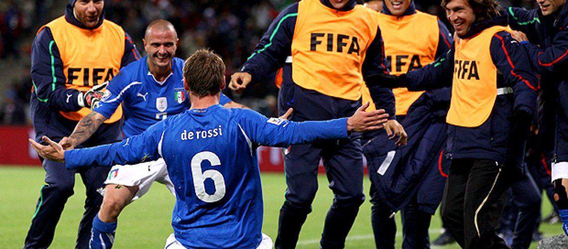 Itália 1 - Paraguai 1: campeões do mundo empatam