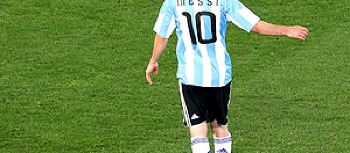 Fifa investiga uso de laser nos jogadores da Argentina e Nigéria