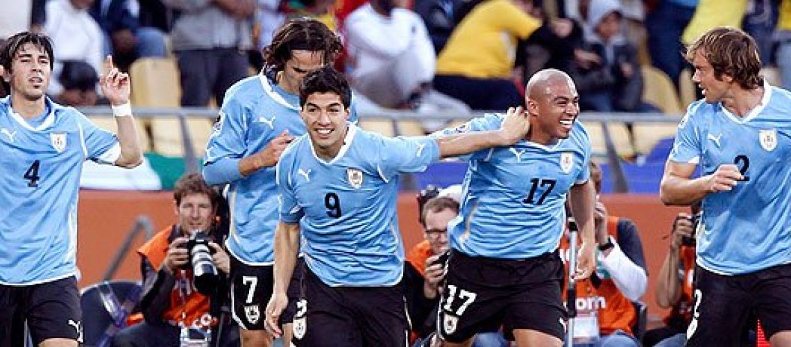 Mexico 0 - Uruguai 1: líder