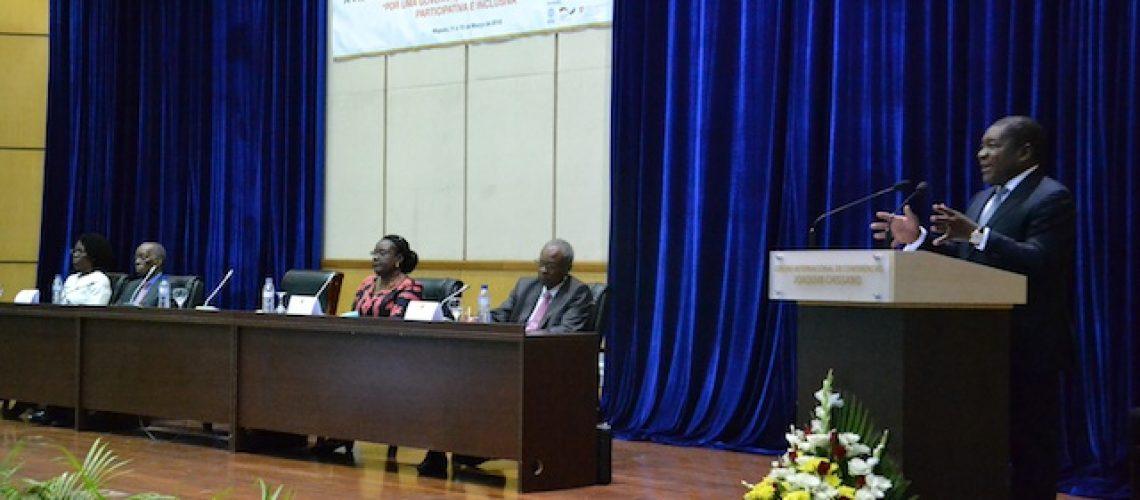 """""""Estamos a parcelar isto (Moçambique) para ter uma gestão pequena em vez de ser macro"""" afirma Presidente Nyusi que desafiou os edis a encontrarem soluções"""